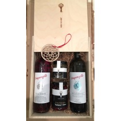 Festive Collection - Gift box with wines and delis