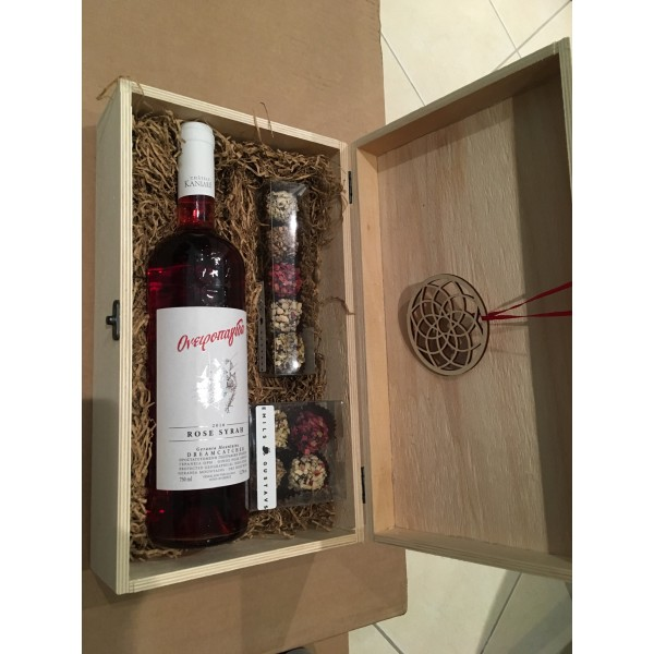 Festive Collection - Gift box with wine and truffles